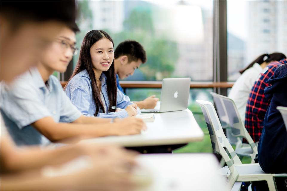 """哈工大(深圳):""""软硬""""结合打造创新实践通道"""